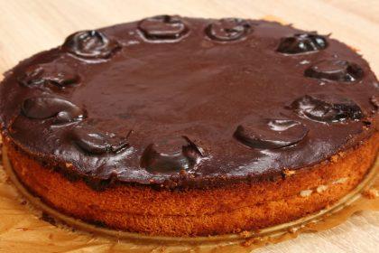 Torta sa suhim šljivama